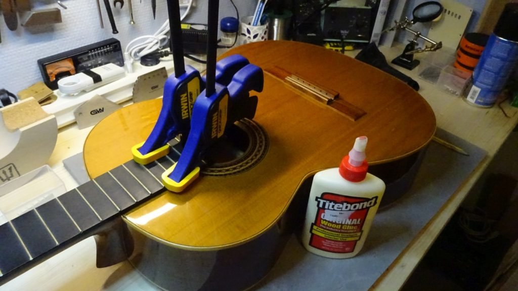 Spansk guitar reparation