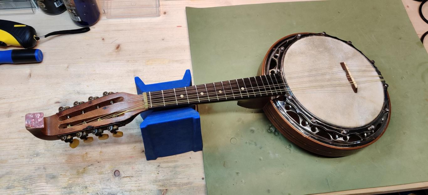 mandolin banjo