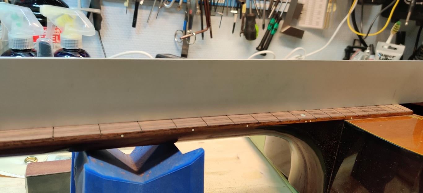 guild fretboard